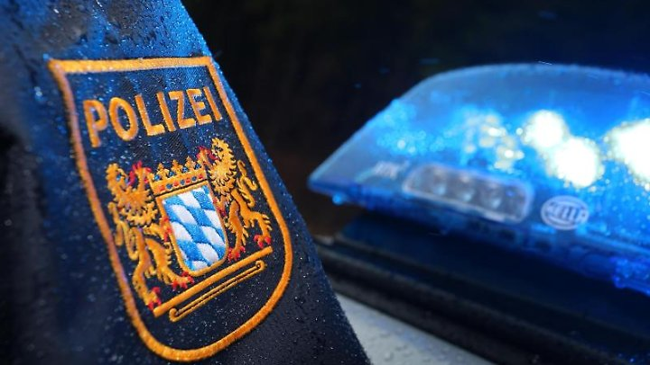 Bayern Bayerns Polizisten Bauen 84 414 überstunden Ab N Tvde
