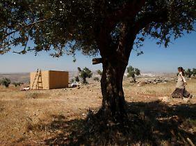 Eine Israelin in einer illegalen Siedlung nahe Ramallah.