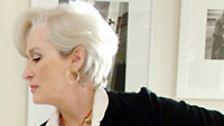 Streep, die sich mit steingrauer Ladyfrisur zu ihren 57 Jahren bekennt, läuft in der Bestsellerverfilmung zur Hochform auf. Ein Oscar wäre keine Überraschung.