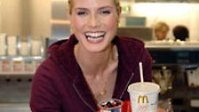 McDonald's beschäftigt hierzulande rund 55.000 Mitarbeiter. Täglich werden 2,5 Mio. Gäste in einer der 1300 Filialen in Deutschland bedient. Eher selten allerdings von Heidi Klum.