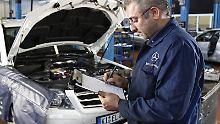 Der ADAC hat bundesweit 75 Werkstätten getestet. Insgesamt am besten schnitten die fünf getesteten Mercedes-Werkstätten ab. (Bild: ADAC)