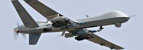 Predator-Drohne MQ-9 Reaper der US-Airforce mit Hellfire-Raketen.