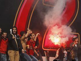 Al Ahli-Fans feiern das Urteil.