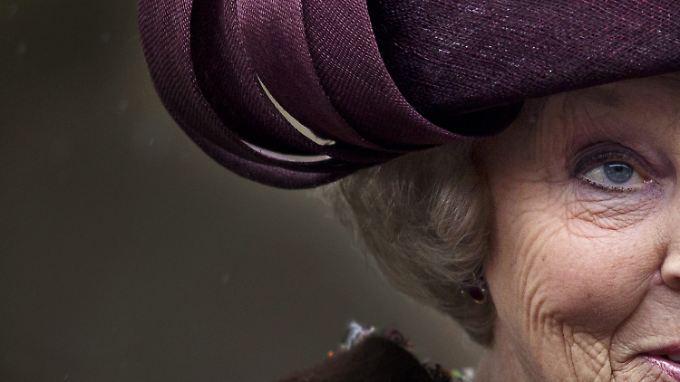 Königin Beatrix verschwindet von der Bildfläche.