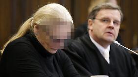 """Vor Gericht spricht die Angeklagte Narkoseärztin von einem """"Schock, der bis ins Mark geht""""."""