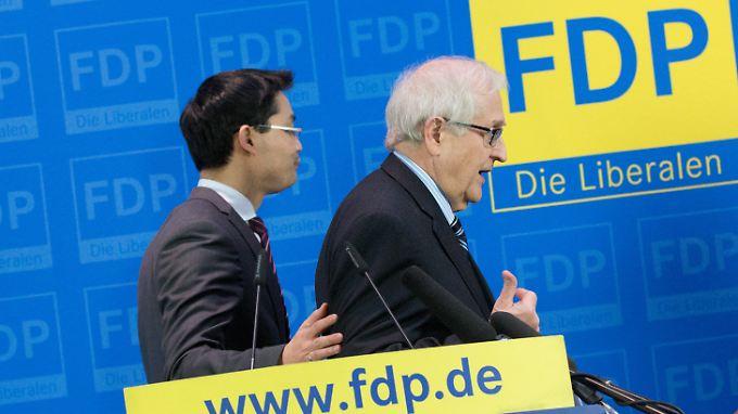 """Sexismus-Vorwürfe eine """"Kampagne gegen FDP"""": Rösler stellt sich hinter Brüderle"""