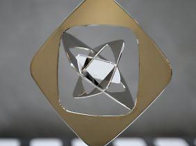 Der Grimme-Preis wird seit 1961 von dem Deutschen  Volkshochschul-Verband gestiftet