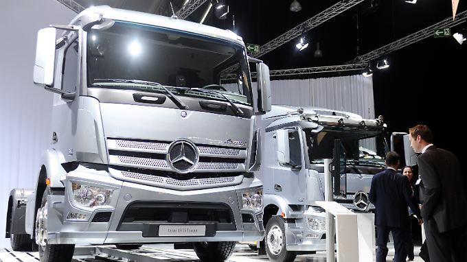 Daimler will in der Lkw-Sparte Stellen abbauen.