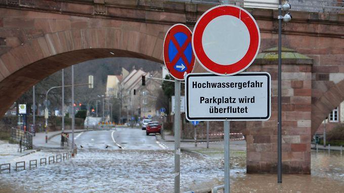 In Heidelberg mussten aufgrund des hohen Wasserstandes einige Straßen gesperrt werden.