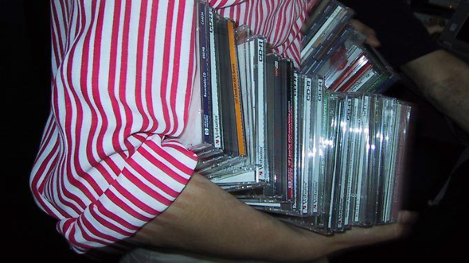 Für die meisten cds bekommt man höchstens zwei euro aktuelle alben