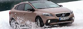 Zweifellos ist der Volvo V40 eines der attraktivsten Modelle in der Kompaktklasse. Jetzt legen die Schweden mit zwei Derivaten nach.
