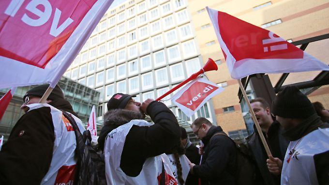 Chaos an den Flughäfen: Sicherheitspersonal streikt wieder