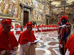 Zur Wahl des neuen Papstes werden sich die Kardinäle in der Sixtinischen Kapelle versammeln.