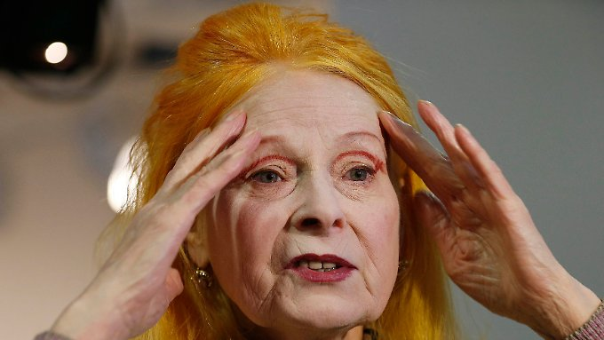 "Vivienne Westwood bei der Präsentation ihrer ""Red Label Autumn/Winter 2013 collection"" während der London Fashion Week."