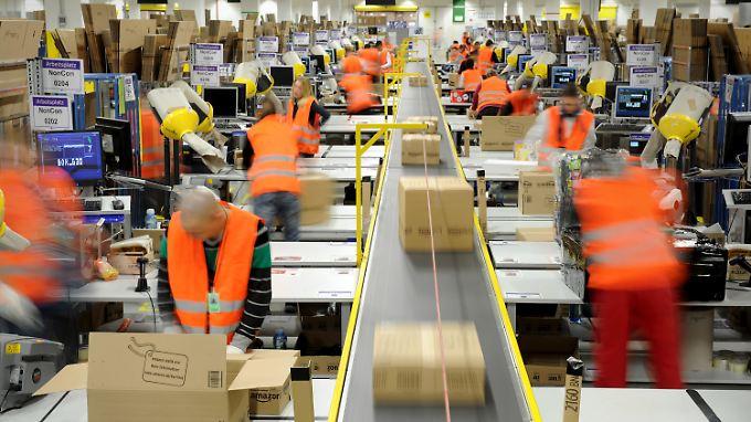 Die Kritik an den Arbeitsbedingungen bei Amazon hält an.