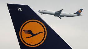 Billigkonkurrenz setzt Airline zu: Lufthansa baut Stellen ab