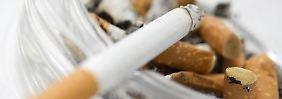 Hier gehören gerauchte Zigaretten hin - alles andere kann teuer werden.
