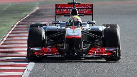 Rasanter Debütant: Sergio Perez hat seinen neuen McLaren schon ganz gut im Griff.