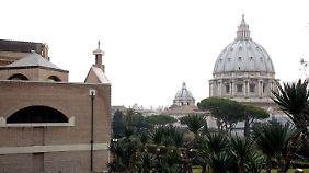 """""""Bestechung, Machtpoker und Sex"""": Vatikan schweigt zu Vorwürfen"""
