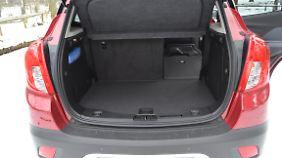 Mit 356 Litern Kofferraumvolumen toppt der Mokka so manchen Kompakten.