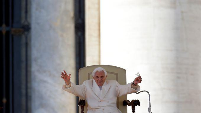 Letzter Gruß auf dem Petersplatz: Papst Benedikt XVI.