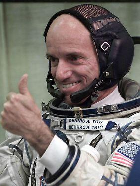 Dennis Tito vor seinem Weltraumflug im April 2001.