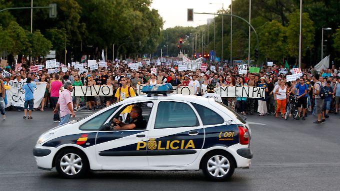 Nicht nur in Spanien geht die Jugend auf die Straße. Sie ist der große Verlierer der Euro-Schuldenkrise.