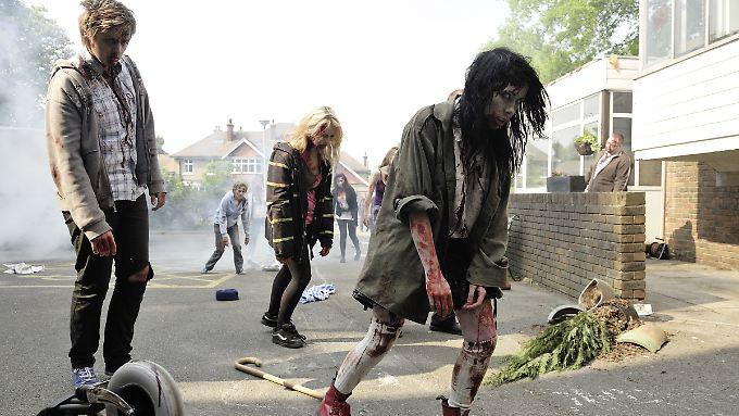 Typisch Zombies: Langsam, aber zielstrebig sind sie unterwegs.