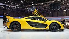 Mit 866.000 Pfund und auf 375 Exemplare limitiert steht der McLaren P1, ebenfalls ein Hybrid, dem La Ferrari in nichts nach.
