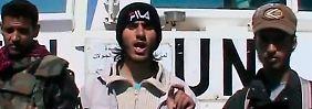 Die Rebellen veröffentlichen nach der Geiselnahme ein Video mit ihren Forderungen an das Assad-Regime.