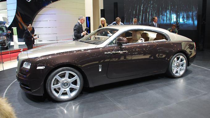 Mit einem neuen Coupé erweitert Rolls-Royce sein Angebot. Der Wraith, englisch für Geist, basiert der Limousine Ghost.