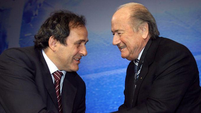 Freunde fürs Leben: Michel Platini und Joseph Blatter.