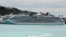 """Die """"Carnival Dream"""" soll nach Angaben der Reederei wieder flott sein. Dennoch würden die Gäste ausgeflogen."""