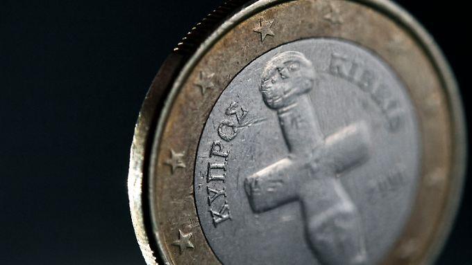 In Zypern gibt's den Euro - und eine Menge Probleme.