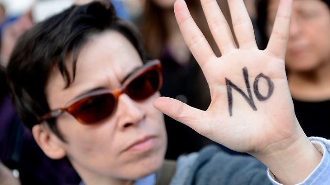 Zyprer protestieren gegen Zwangsabgabe: Nikosia bekommt mehr Spielraum