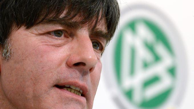 Bundestrainer Joachim Löw schenkt seinen 20 Spielern für die Spiele gegen Kasachstan vollstes Vertrauen.