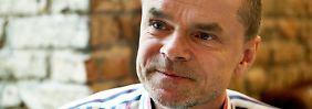 Seit 1995 läuft die Telefon-Talkradio-Sendung von Jürgen Domian im WDR.