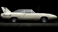 In seiner stärksten Ausbaustufe als Superbird knackte der Plymouth 1971 als erstes Muscle Car die 200-Meilen-Schallmauer (= 322 km/h). Damals Weltrekord für Serienautos.