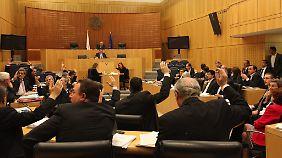 Zyprische Zwangsabgabe: Entscheidung weiter offen