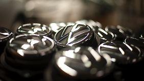 Krise lähmt deutschen Automarkt: VW muss kräftiges Minus einstecken