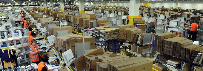 Sie wollen mehr Geld: Mitarbeiter von Amazon im hessischen Bad Hersfeld.