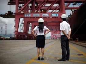 Der schnelle Aufstieg Chinas saugt Rohstoffe aus dem Weltmarkt - die Nachfrage nach Schiffsraum steigt.