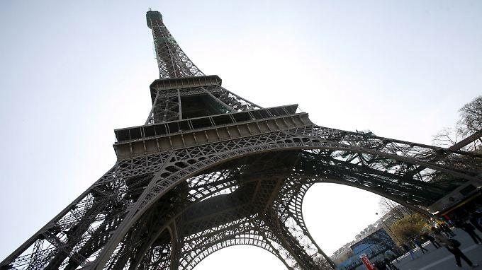 Frankreichs Wirtschaft liefert ein schiefes Bild: Sie wackelt und die Regierung soll mehr sparen. Das fordert Bundesbank-Chef Weidmann.