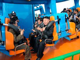 Bei seiner Inszenierung setzt Kim Jong Un auf Volksnähe.