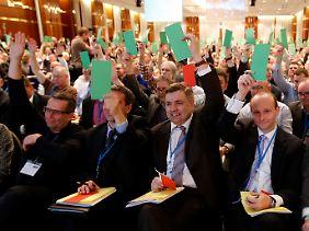Die Delegierten begehrten nicht auf, als die Programmdebatte abgewürgt wurde.