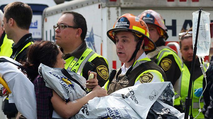 Noch immer werden zahlreiche Verletzte in Krankenhäusern behandelt.