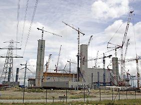Baustelle in Hamburg-Moorburg. Ab 2012 soll das neue Kohlekraftwerk Strom liefern.