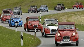90 Jahre robustes Kultdesign: Citroën lässt die Korken knallen