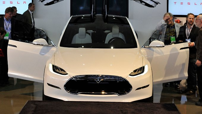 Tesla Model X Concept: Die Elektroschmiede schreibt erstmals Gewinne.