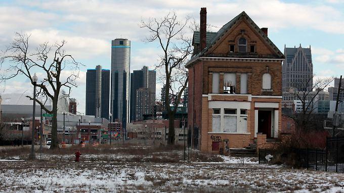 Wolkenkratzer und leer stehende Häuser: Ist Detroits Niedergang noch aufzuhalten?